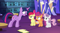 "Twilight ""you actually got a griffon a cutie mark"" S6E19"