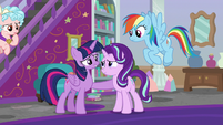 Twilight glad that her friends are okay S8E25