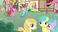 Fillies hear Rainbow Dash mention pies S7E23
