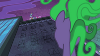 Mane-iac looking up at Power Ponies S4E06