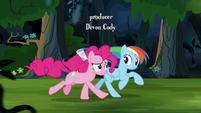 Pinkie and Rainbow gallop to A. K. Yearling's house S7E18