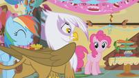 Pinkie offers treats to Gilda S1E05