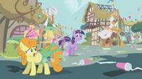 Ponyville still chaotic S1E10