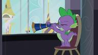 S05E10 Spike patrzy przez teleskop