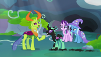Thorax apologizing to Painted Changeling S7E17