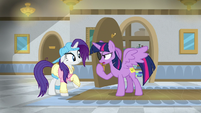 "Twilight ""this isn't enough of a disguise"" S8E16"