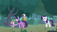 Twilight doesn't want Spike to leave S8E11