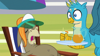 Cranky Doodle -this is too cold!- S8E15