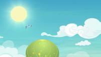 Rainbow watching the balloon slowly rise S8E5