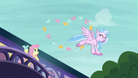 Silverstream flying with the butterflies S8E12