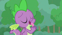 Spike licking chocolate off his hands S9E25