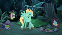 Zephyr Breeze hit in the face with stick S6E11
