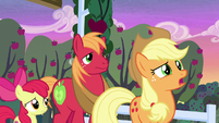 "Applejack ""learnin' about our parents"" S7E13"