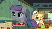 Applejack 'peelin' them apples for the cider, Maud ' S4E18