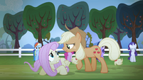 Applejack singing while Fluttershy cowers down S4E07