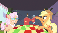 Applejack turn off! S3E8