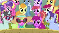 Audience ponies gasping in shock MLPS5