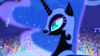 Nightmare Moon addresses the crowd S1E01
