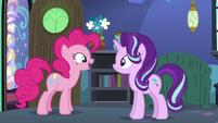 Pinkie Pie thanking Starlight Glimmer S8E3