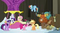 Pinkie plays a yak practical joke on Applejack S7E11