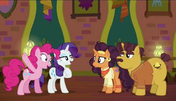 S06E12 Pinkie Pie i Rarity podejmują się zadania.png