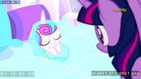 Twilight beholds Flurry Heart for the first time S6E1