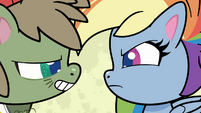 Dishwater getting in Rainbow Dash's face PLS1E2a