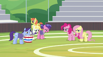 Friendship students look disappointed S9E15