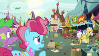 Mrs. Cake looks at chaos in the marketplace S9E23