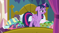 "Twilight ""need some time to be alone"" S8E2"