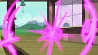 Twilight and her friends teleport away S9E26