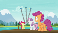 Cutie Mark Crusaders see Wonderbolts in the sky S7E21