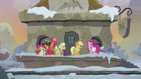 Maud leads Apple family to the rock farm S5E20