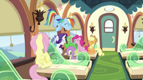 Twilight's friends laughing S2E25