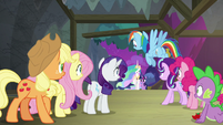Twilight and Celestia return to the theater S8E7