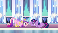 """Cadance and Twilight doing the """"Sunshine"""" dance in the Crystal Empire S3E01"""