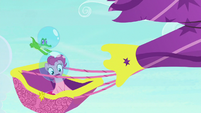 Pinkie and Gummy flying out of control S9E4