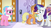 Rarity looking at pocketwatch S6E10