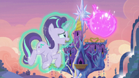 Twilight teleports out of the sky S6E21