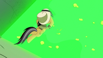 Daring Do diving toward the pool of slime S7E18