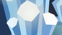 Decorative crystal pillars S6E16