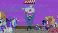 Iron Will offers ice cream with the princesses S7E22