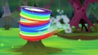 Rainbow Dash zooms around the geyser S8E17