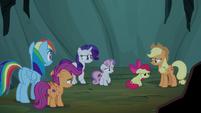 Pony sisters feeling sorry for Apple Bloom S7E16