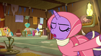 Round innkeeper refuses Starlight and Trixie S8E19