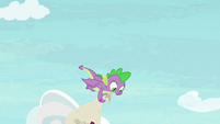 Spike follows Twilight to the ground S9E5