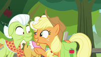 """Applejack """"tell us what you have seen!"""" S9E10"""