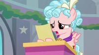 Cozy Glow reading Starlight's note S8E25