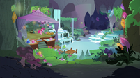 Pinkie Pie alone in Maud's house S8E3
