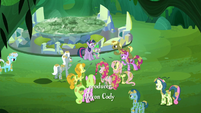 Ponies corner Twilight and Spike S5E26